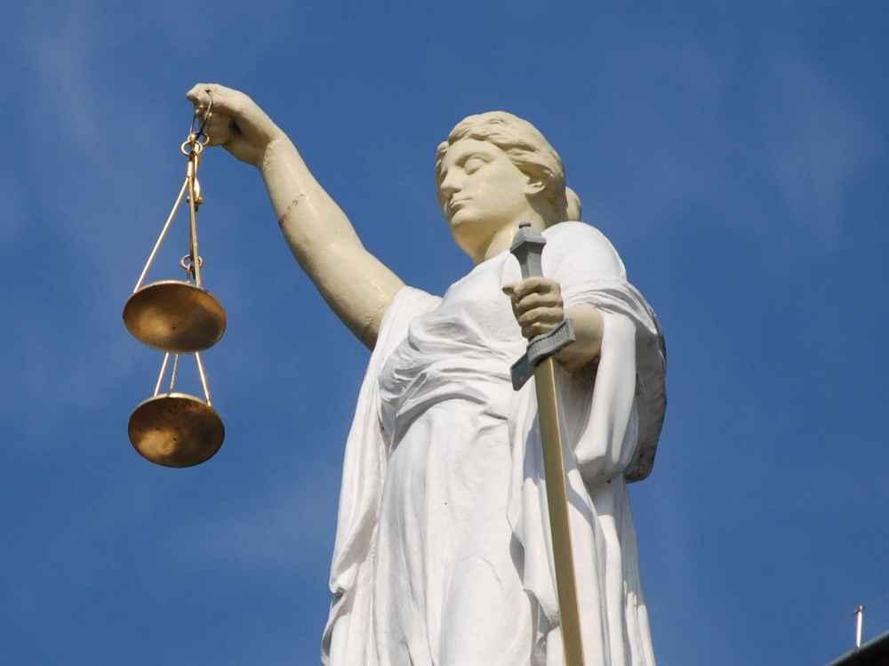 Неизвещение судом апелляционной инстанции лиц, участвующих в деле